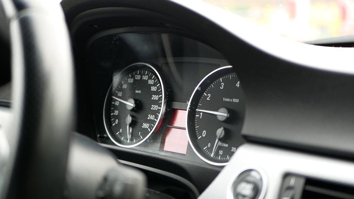 Prístrojový panel BMW E90