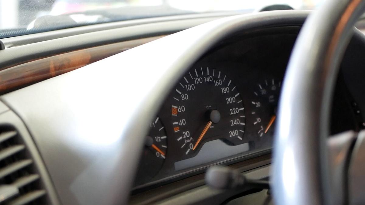 Predfacelift budíky Mercedes-Benz CLK 430
