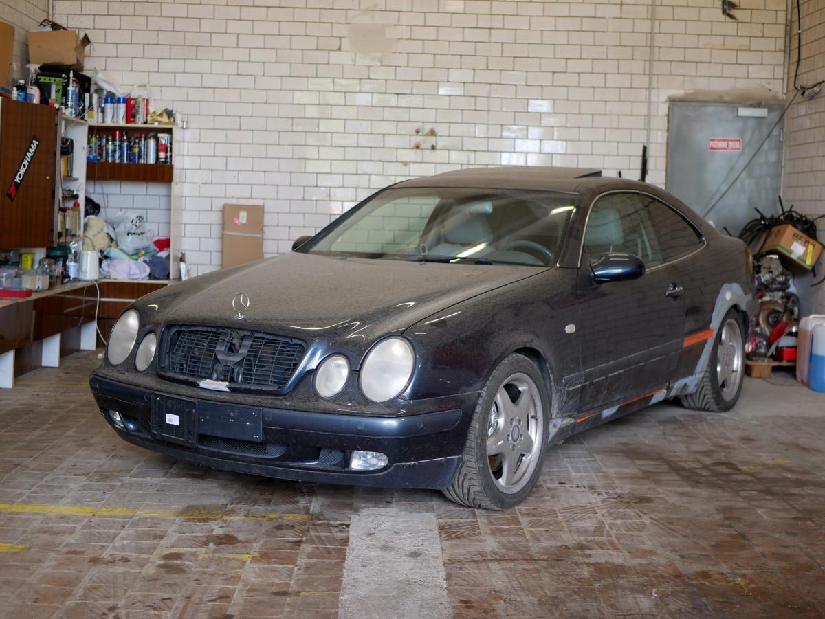 Mercedes-Benz CLK 430 v celej kráse. Budúcej.