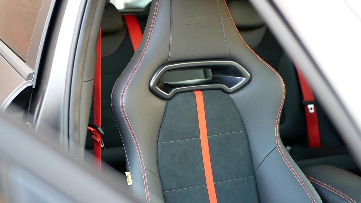 Špičkové sedadlá Sabelt Hyundai i30 N Project C