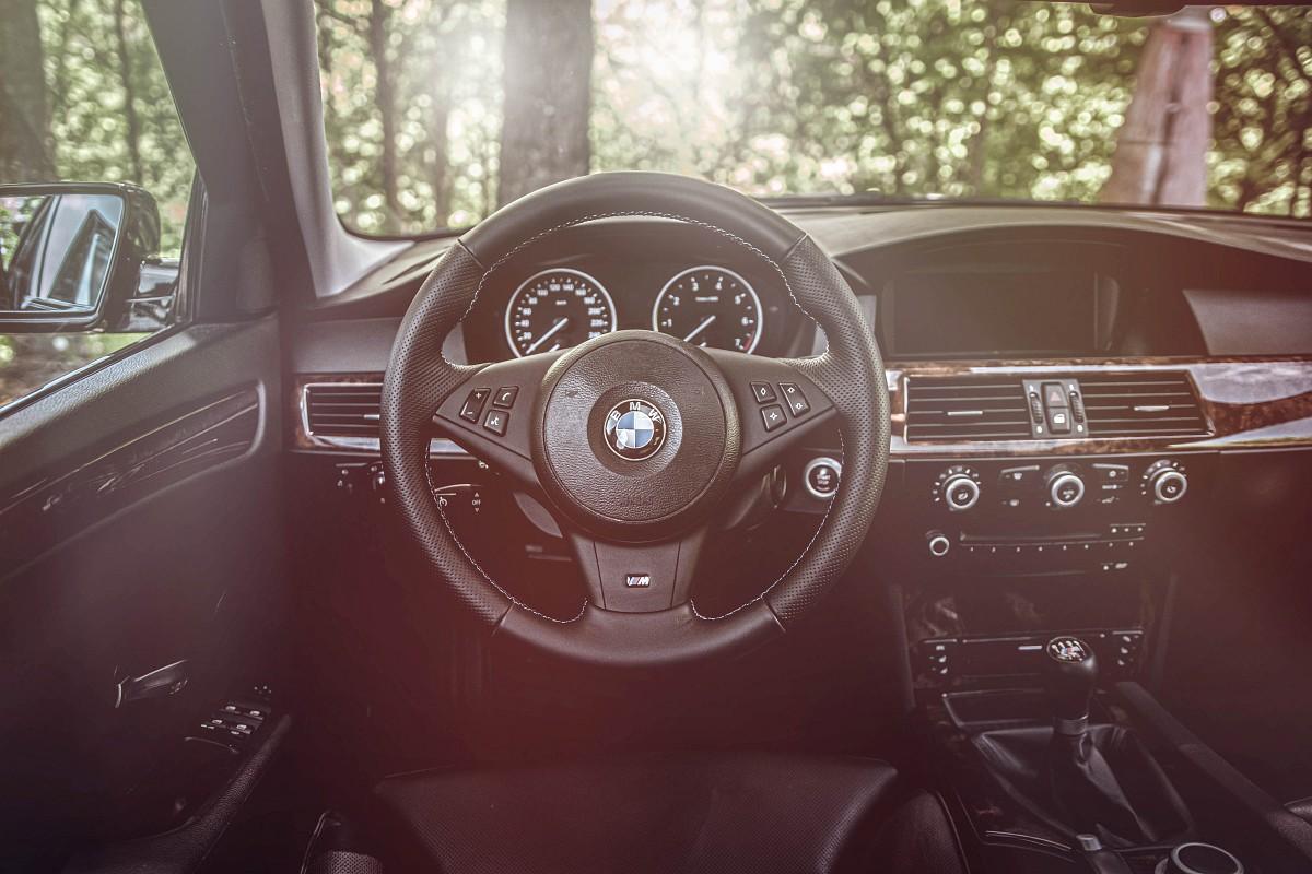 Interiér BMW 550i E60