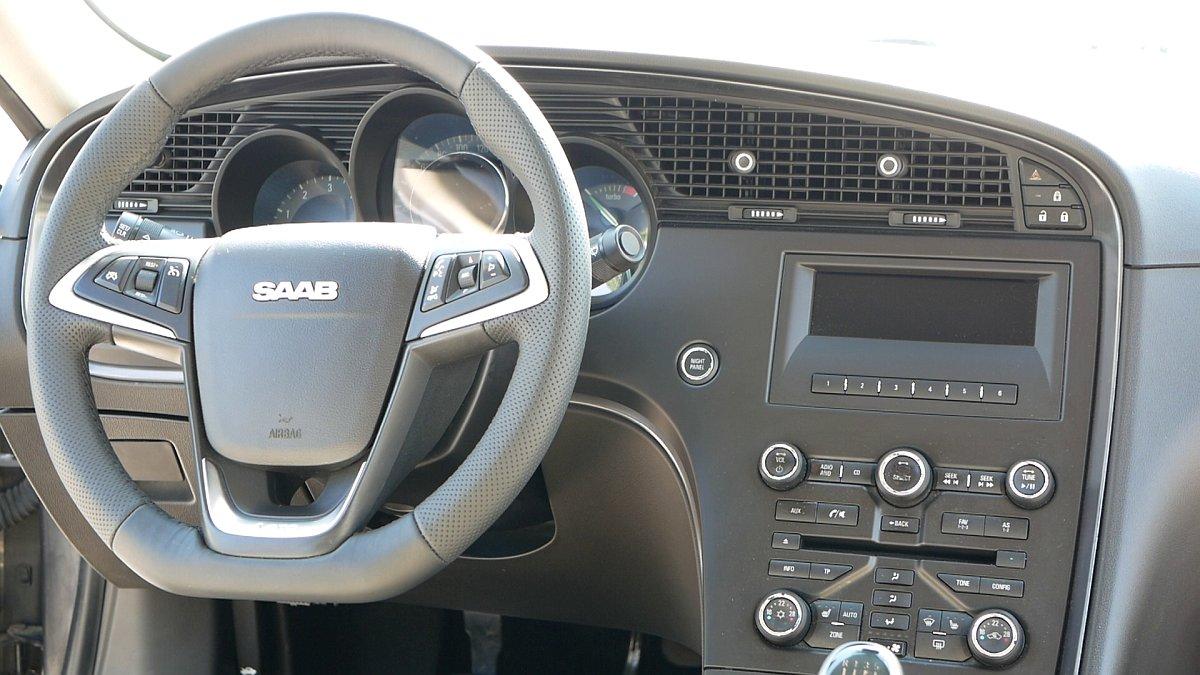 Interiér Saab 9-5