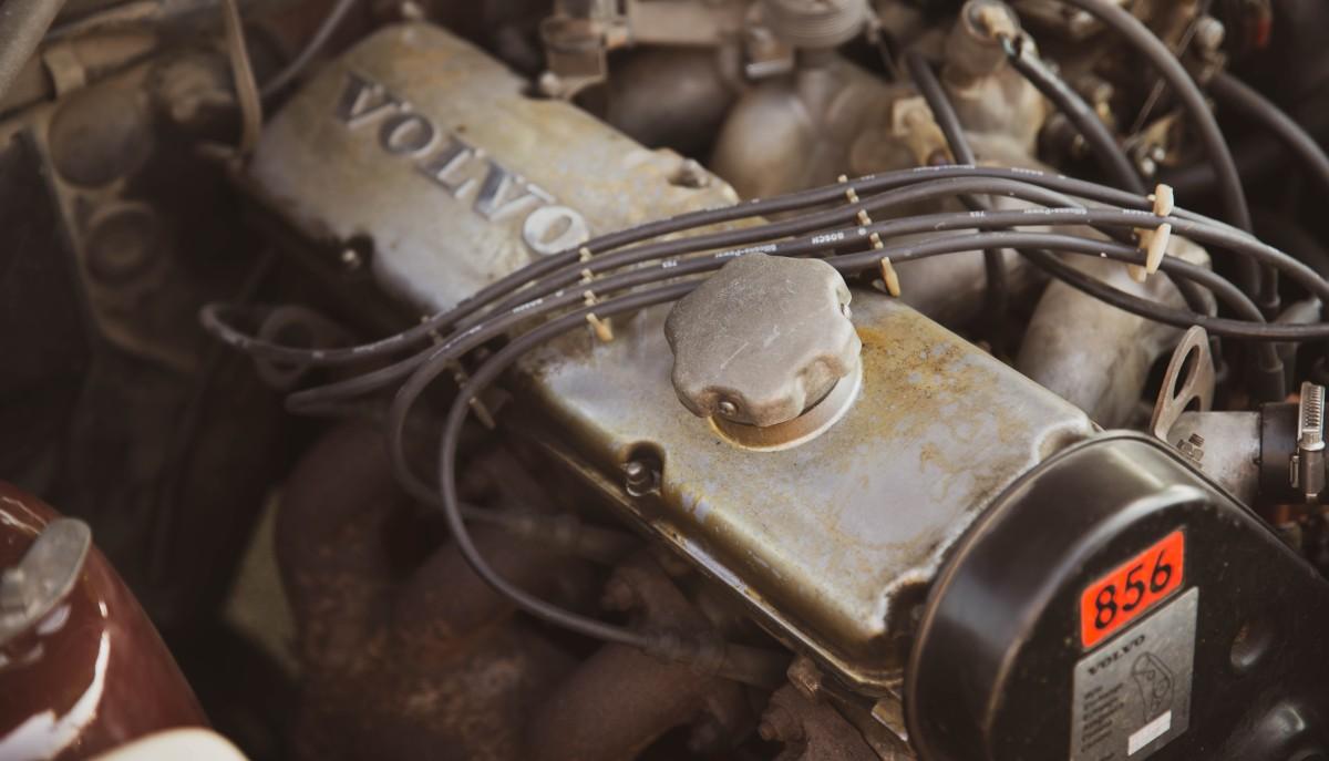 motor Volvo 244
