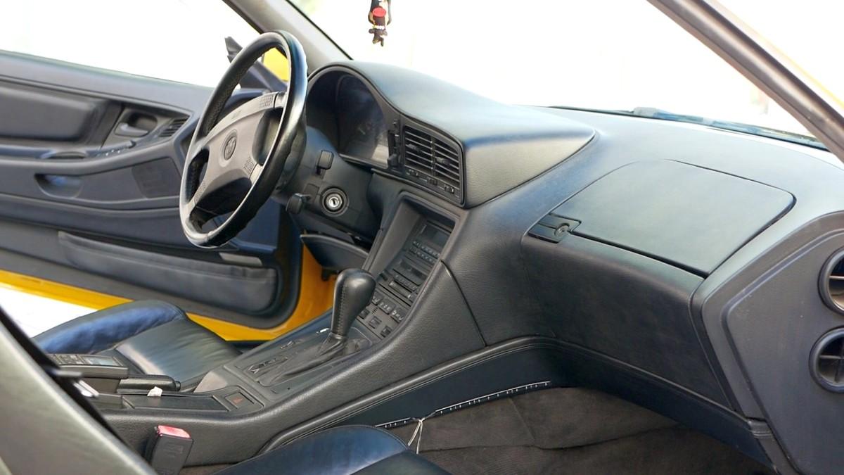 Interiér BMW 850i E31