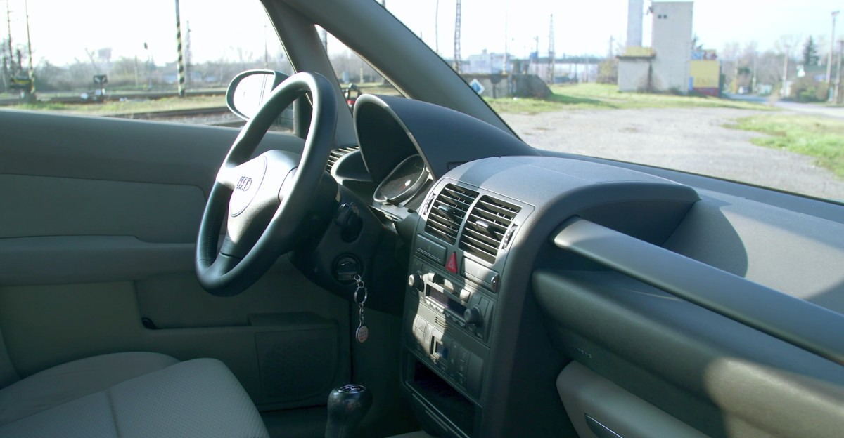 Interiér Audi A2 1,4 TDI