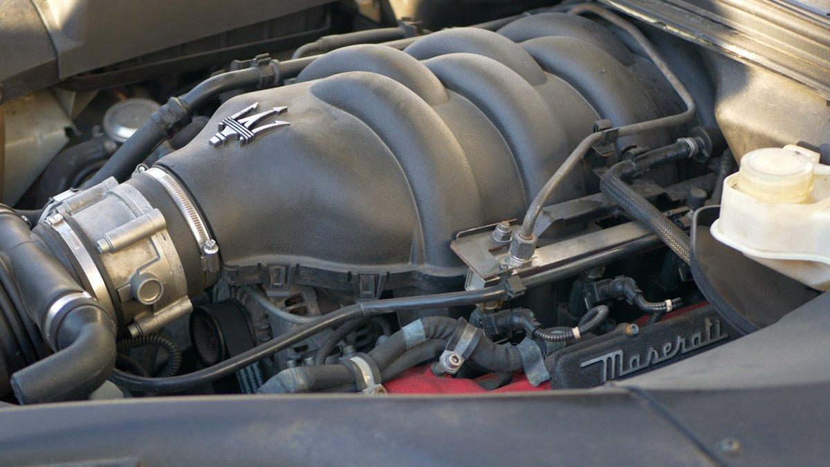 4.2 V8 motor v Maserati Quattroporte M139