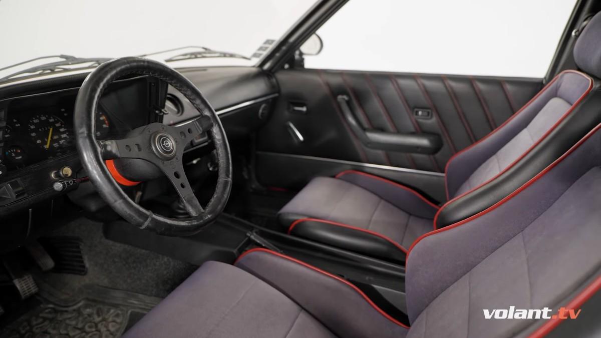 Interiér Opel Manta B 1.9