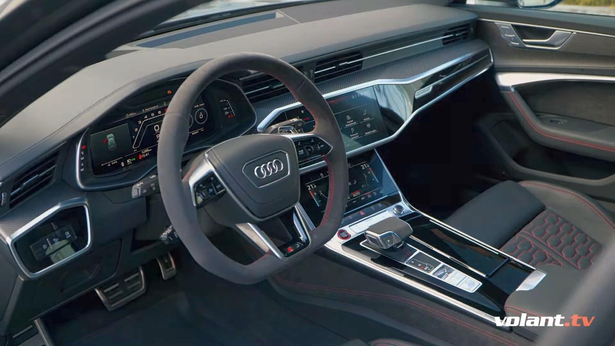 Interiér Audi RS6 4,0 TFSI