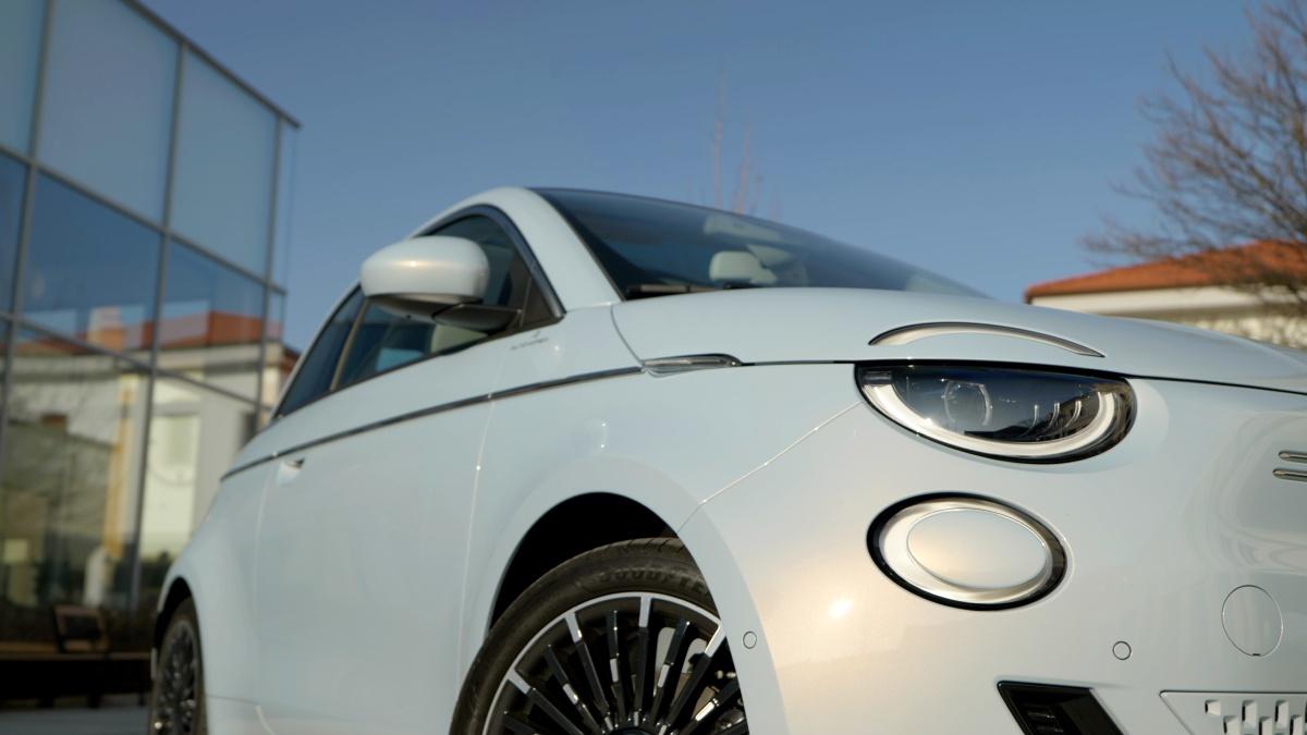 Nový Fiat 500e elektromobil