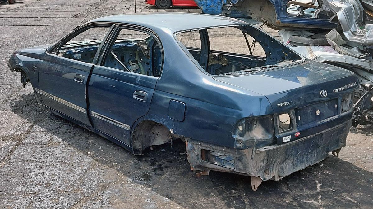 Toyota Carina E 2.0 16v